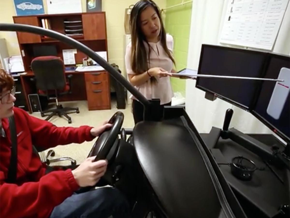 雇用されない理由にも。発達障害の人が学べる運転シミュレータ d7-3