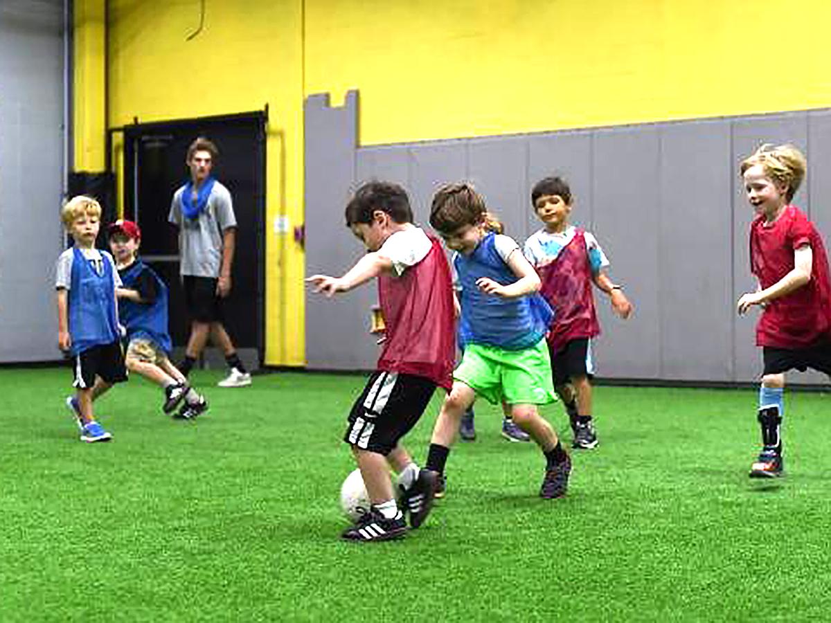 親が作ったサッカークラブは発達障害の子たちの日常生活も変える