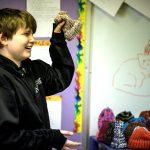 発達障害の子たちが編物で学び社会に役立つ