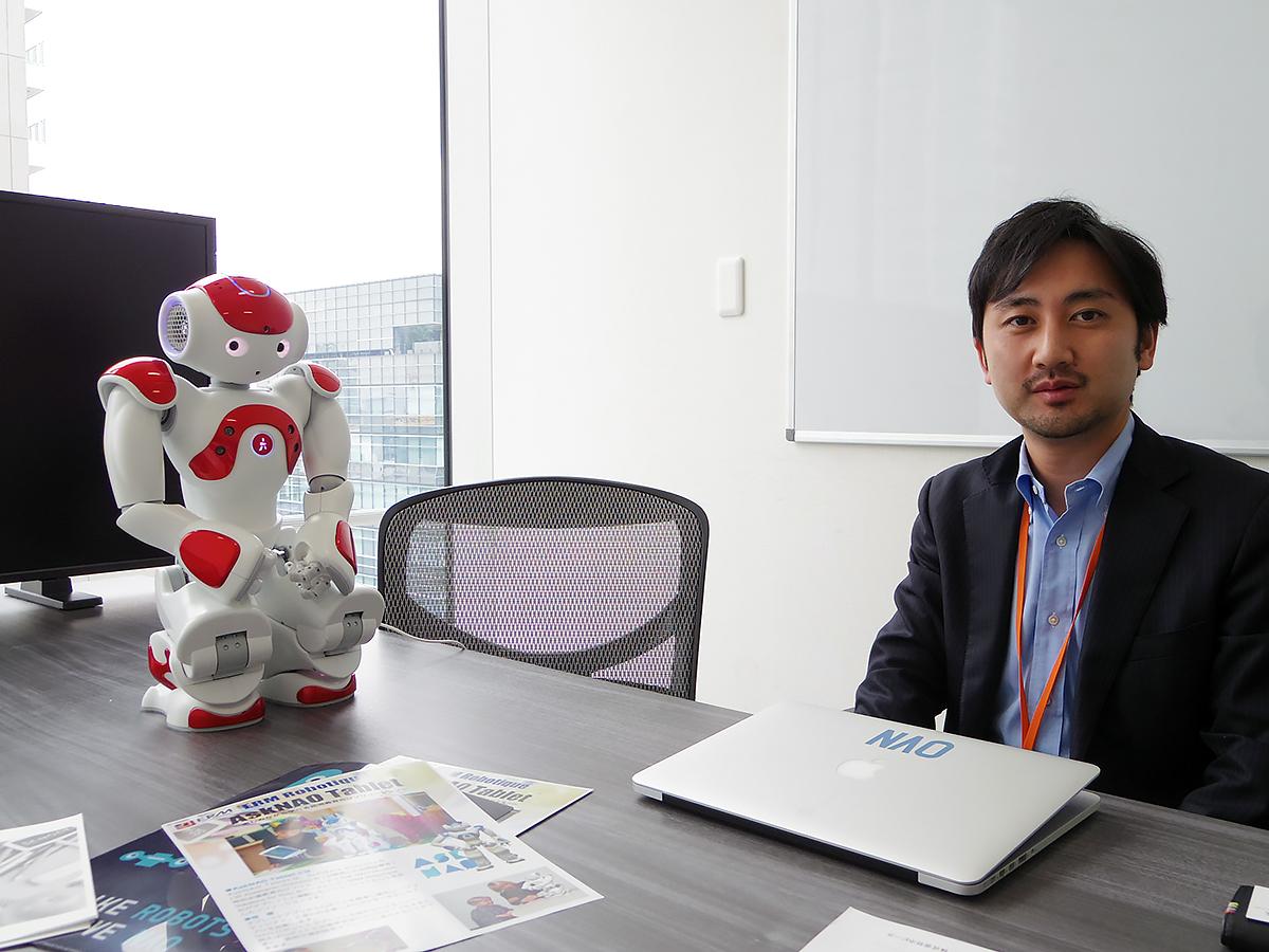 自閉症など発達障害の子を助けるロボットのNAOに会いました n1