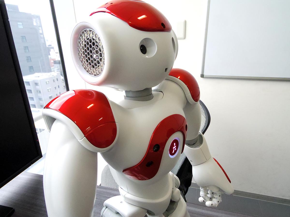自閉症など発達障害の子を助けるロボットのNAOに会いました n5