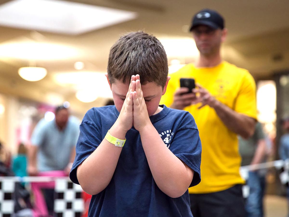発達障害の子と親も発達障害でない子も楽める手作り車でのレース r2