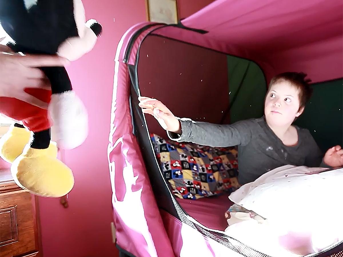 発達障害の子ども向け安全ベッドで家族全員も安心し眠れるように b2-4