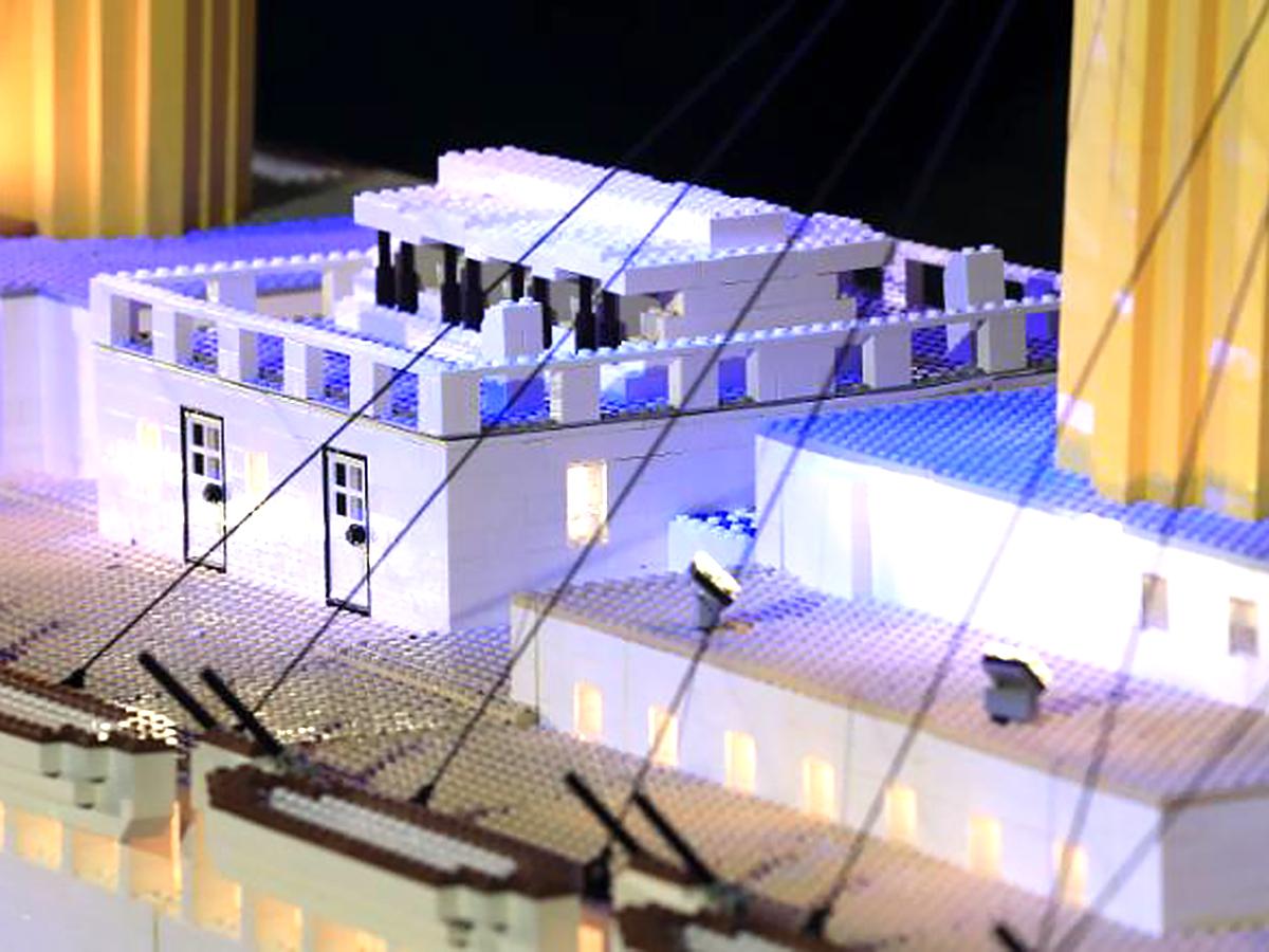 発達障害の10歳の子が作った世界最大のレゴのタイタニック号 t1-1