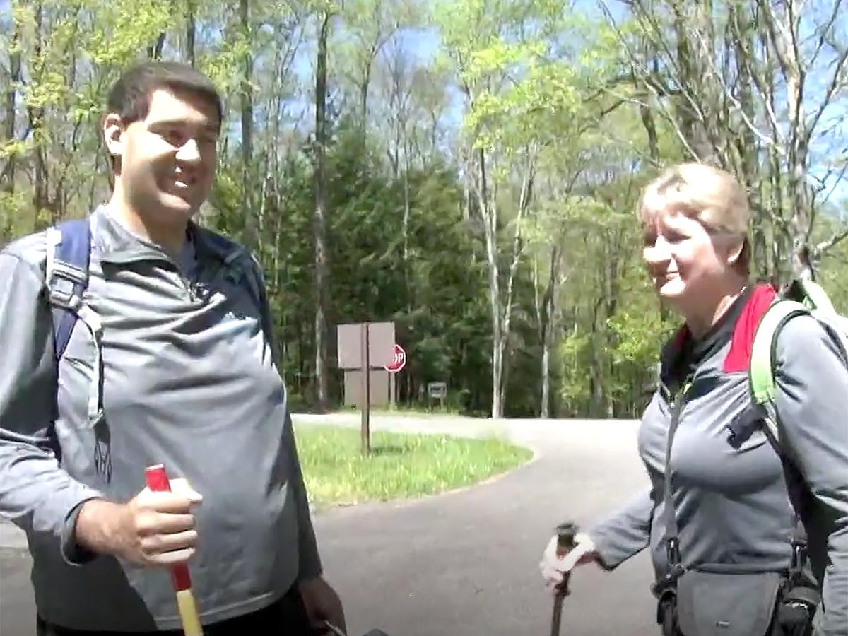 発達障害の青年は母と自然公園の約1500kmの全コースを制覇