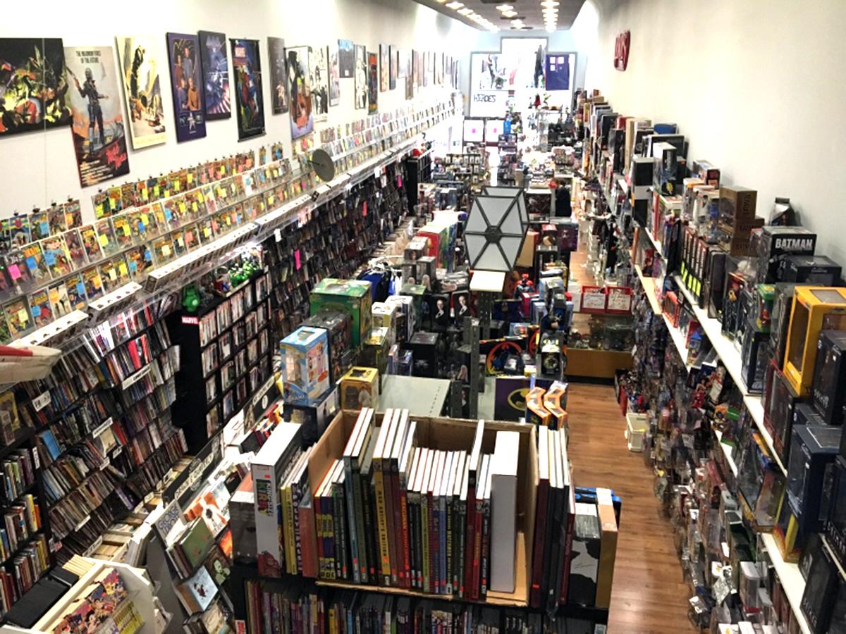 発達障害の少女は通い続け、コミック書店の店員として採用される c4-2