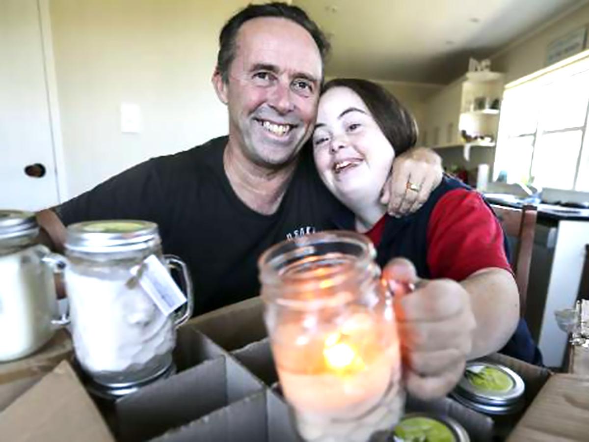 ダウン症のために発達障害と知的障害のある女性は父親と起業した d1