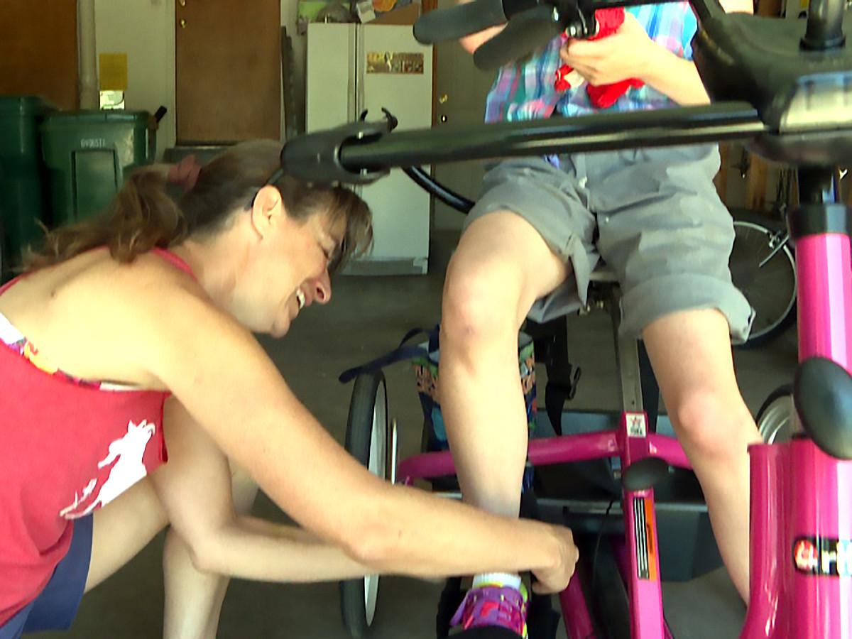 自転車が発達障害の娘を外へ連れ出し、人生に喜びをもたらした b12