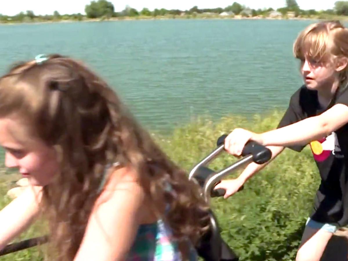 自転車が発達障害の娘を外へ連れ出し、人生に喜びをもたらした b6