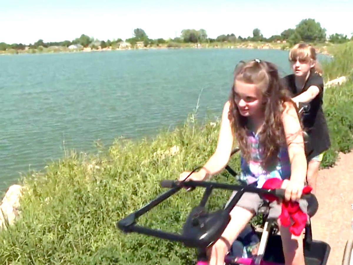 自転車が発達障害の娘を外へ連れ出し、人生に喜びをもたらした b7