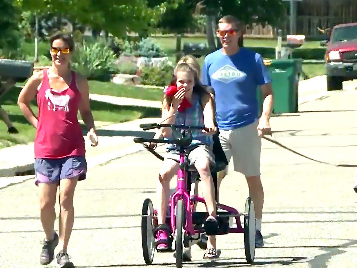 自転車が発達障害の娘を外へ連れ出し、人生に喜びをもたらした b8