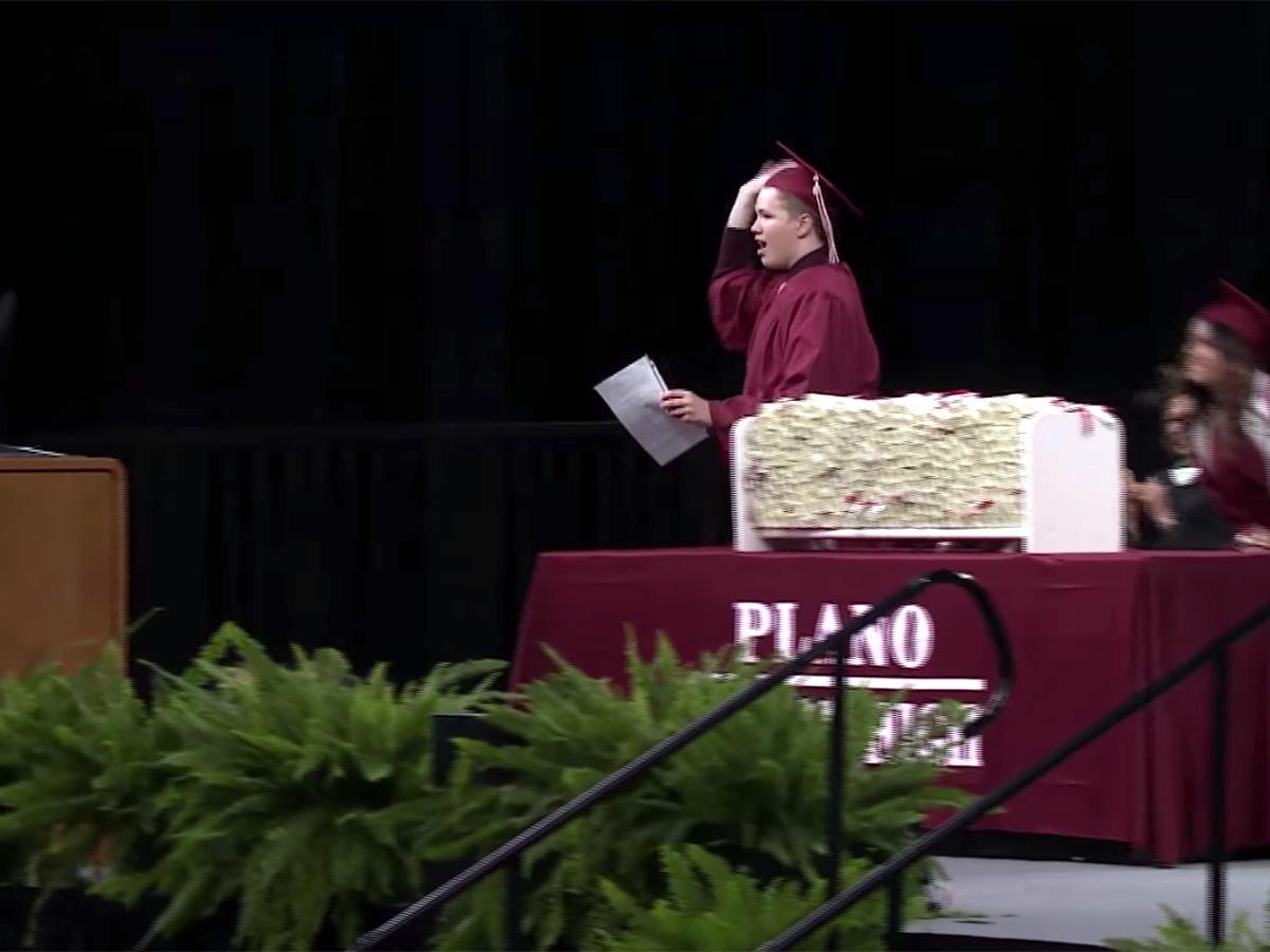 予想外の卒業スピーチ、発達障害の高校生が予想外のメッセージ g1