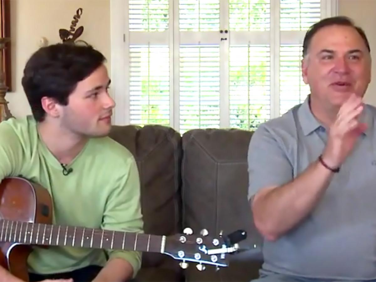 兄は発達障害の弟を歌うことで、多くの人の理解と研究を助ける k2-1