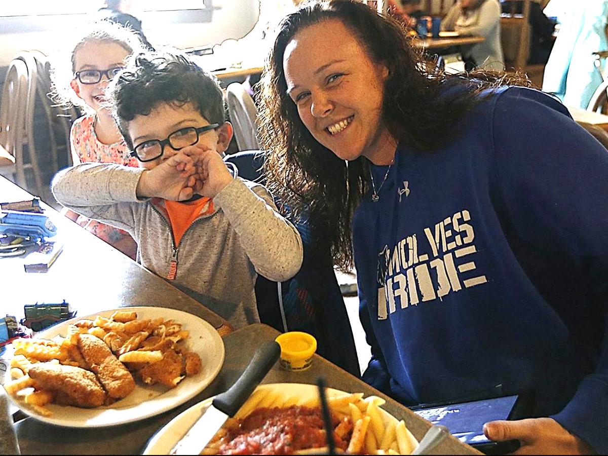 集まる視線で難しかった発達障害の子の家族が外食を楽しめる機会