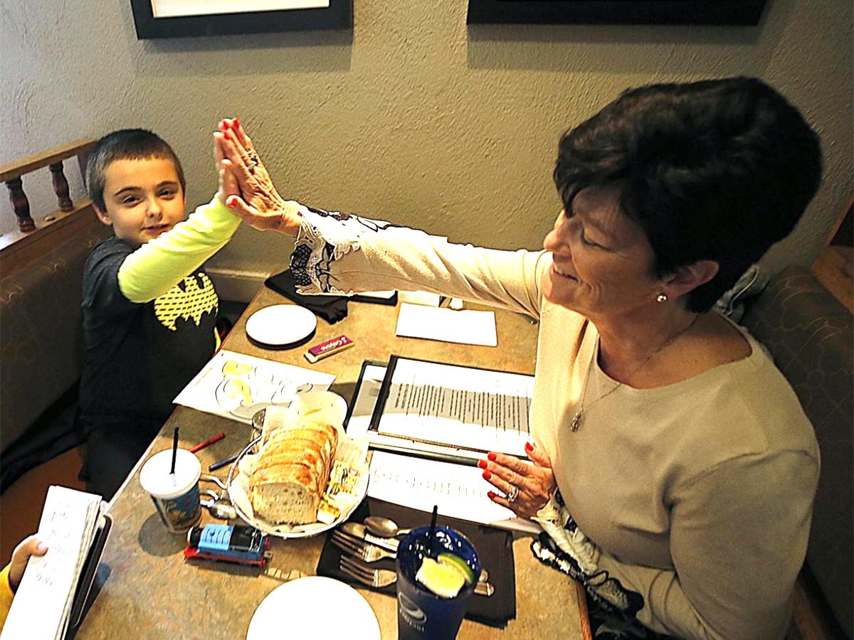 集まる視線で難しかった発達障害の子の家族が外食を楽しめる機会 r3-1