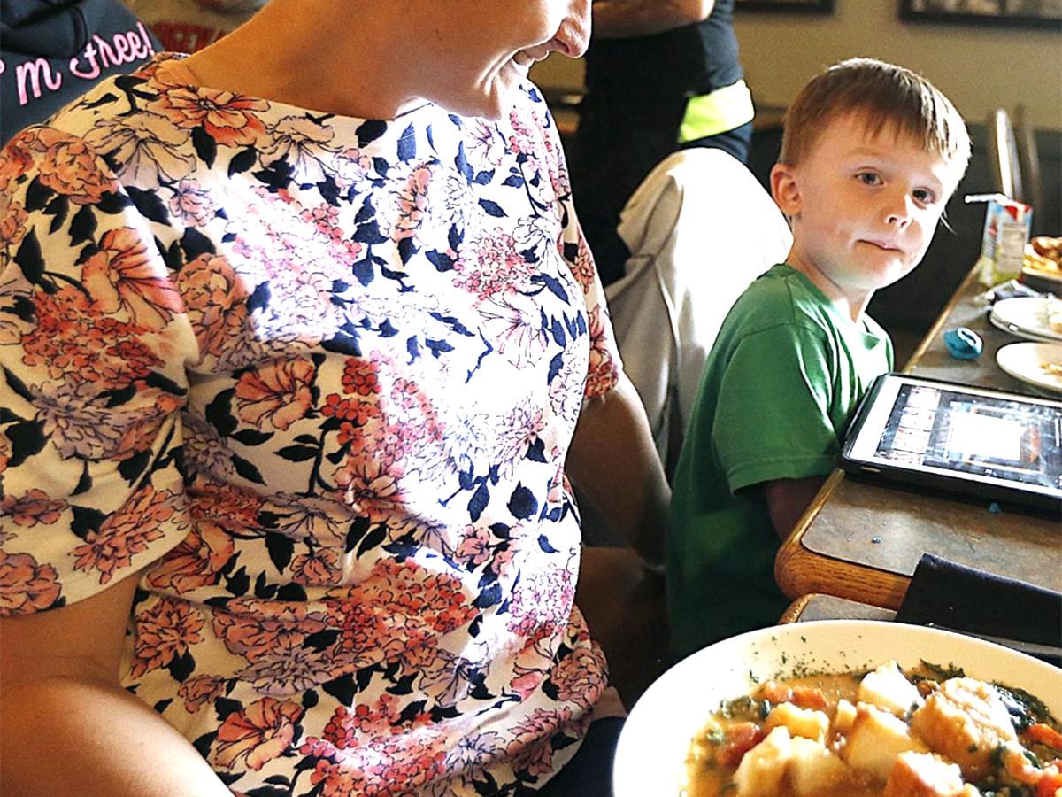 集まる視線で難しかった発達障害の子の家族が外食を楽しめる機会 r5-1