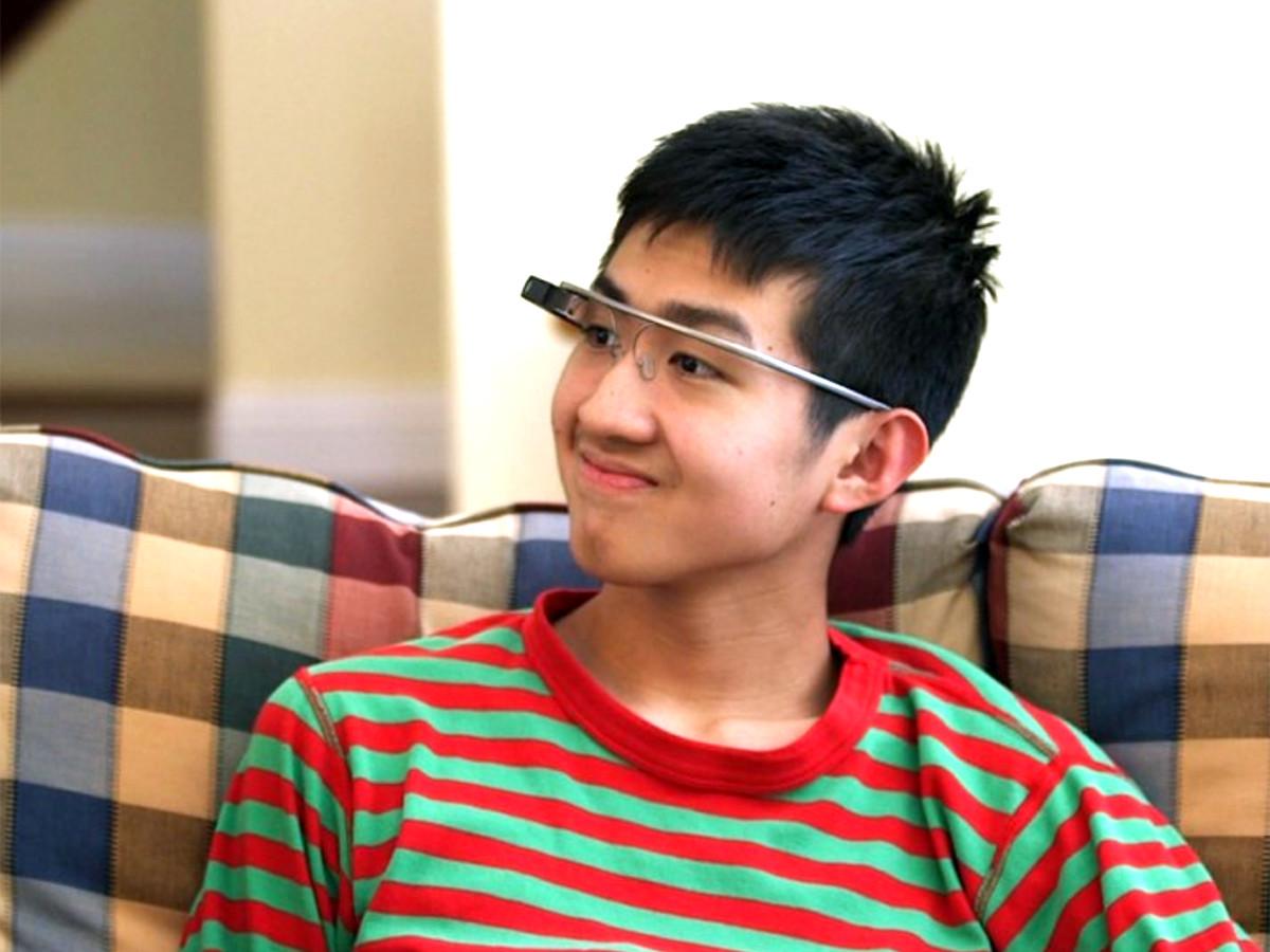 AIとGoogle眼鏡の装置で、発達障害の子と親で行える療育