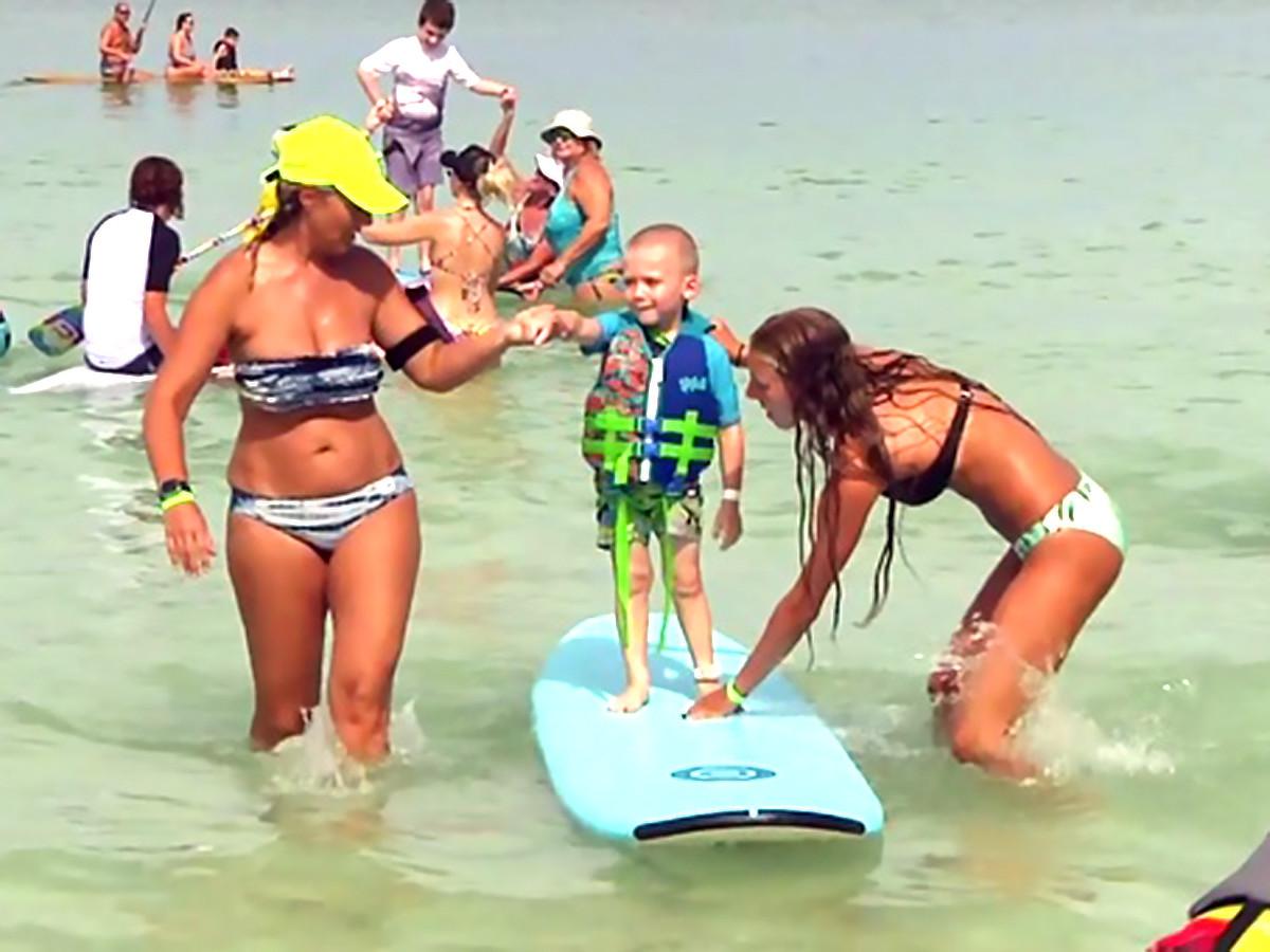 特別なことが起きるんです。発達障害の子と親たちのサーフィン会