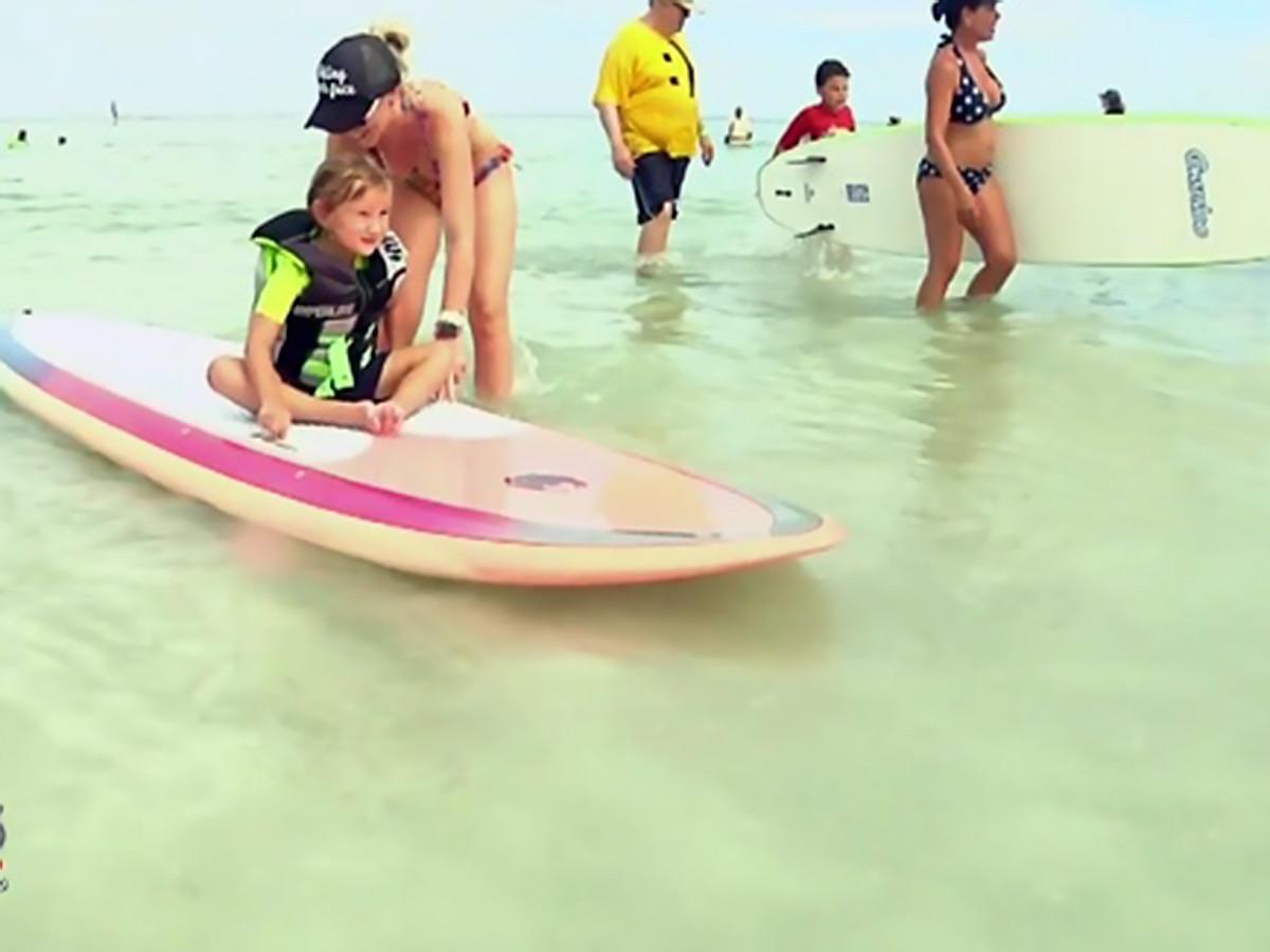 特別なことが起きるんです。発達障害の子と親たちのサーフィン会 s15