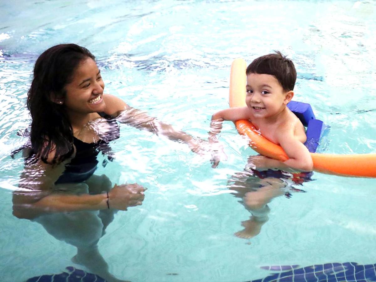 発達障害の子どもたちが水に落ちても安全でいられるように教える s3