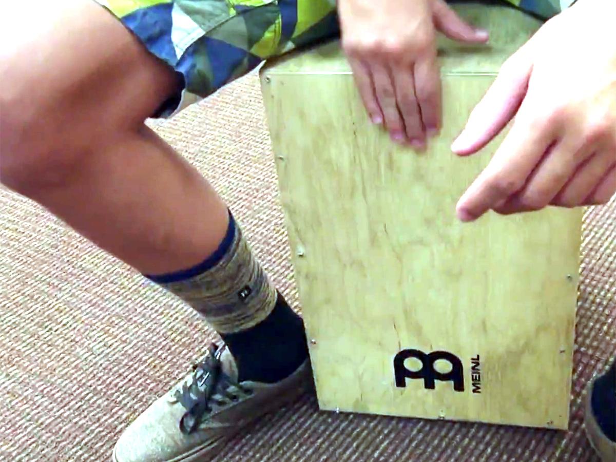 発達障害の子どもたちが楽器づくりのキャンプでいろいろ学ぶ m1