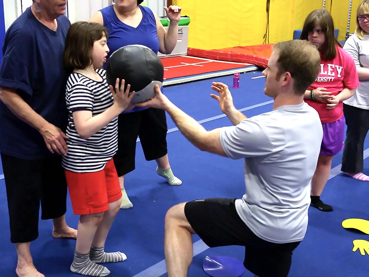 発達障害の方それぞれに合わせた「適応運動」個人トレーニング p1