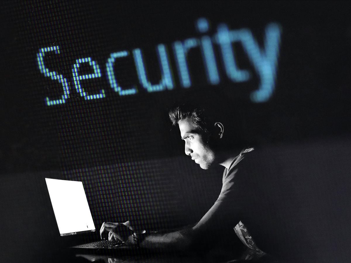 軍や機関で働いた情報セキュリティのプロが発達障害の強みを語る
