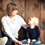 話せない発達障害の子に効果。声と同じ高さの音を叩く言語療法