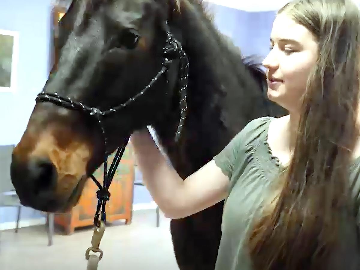 発達障害の娘が馬と過ごすようになってから本当の姿が見えた。