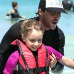 発達障害の少女の不安症、自殺願望の苦しみをサーフィンが救った