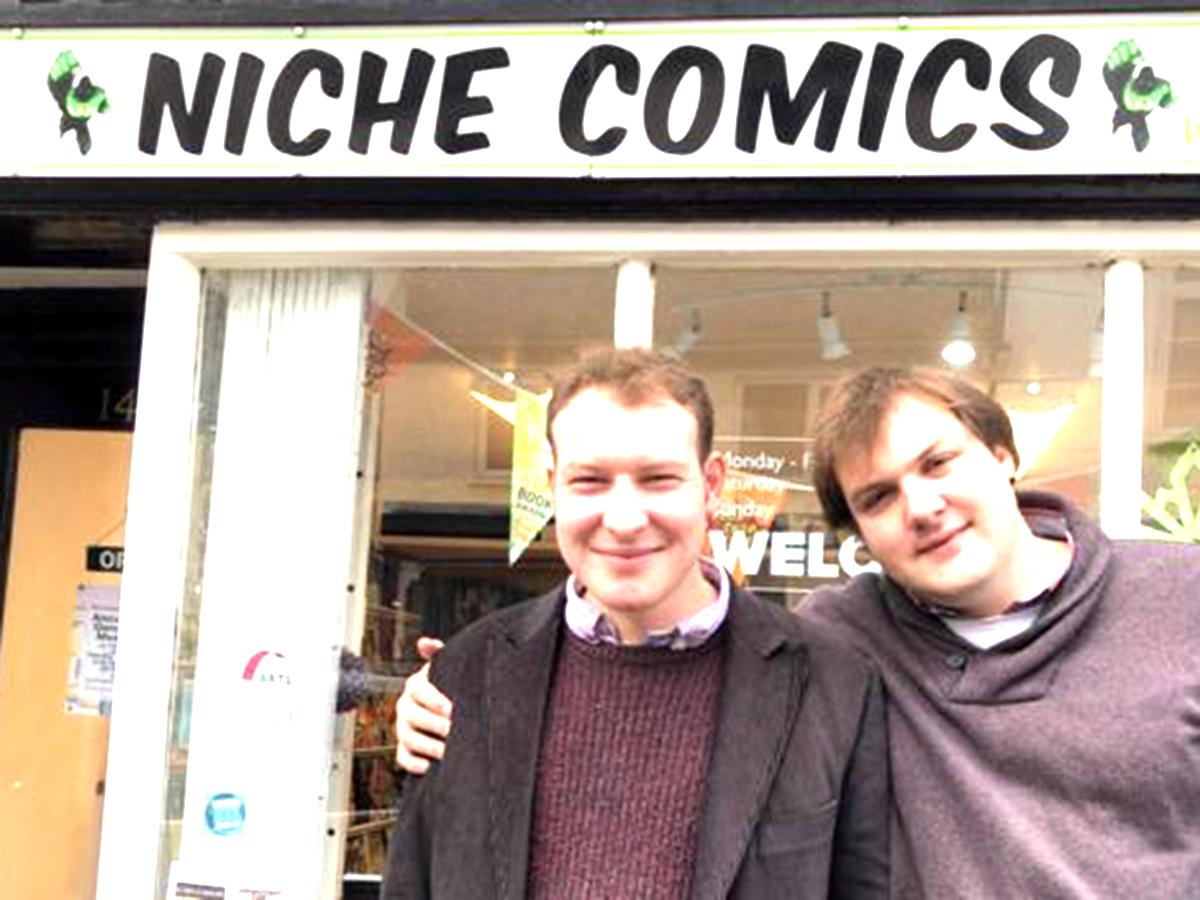 発達障害の兄弟のコミックの店が開店。ばかげていると母も思った