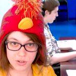 発達障害の彼女はいつも帽子をかぶって映像製作のプロへ歩む
