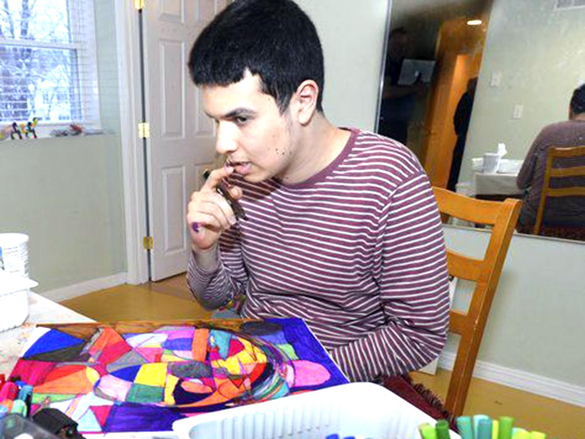 発達障害の息子は今、自分の感情を自分の芸術を通じ表現している
