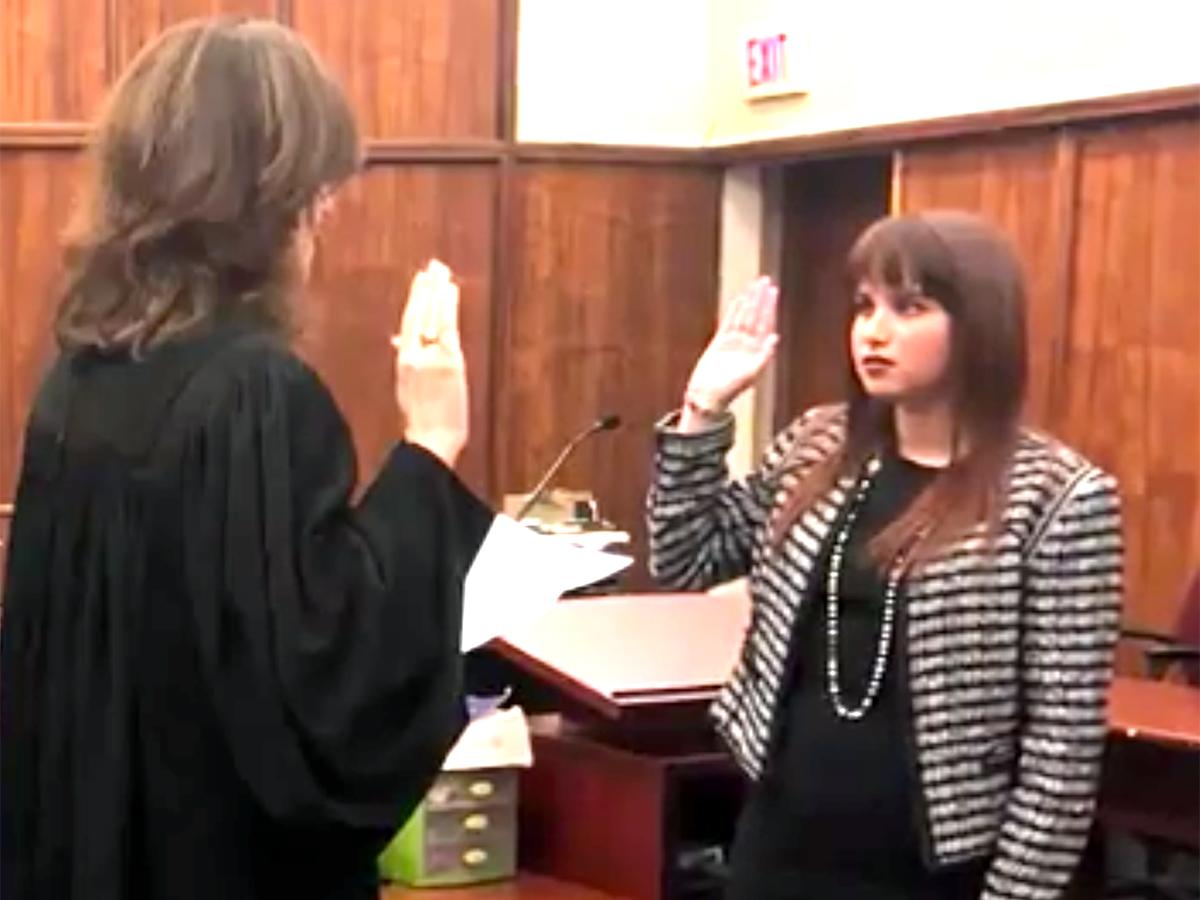 発達障害の女の子は障害を公表する弁護士に。もっと役立ちたい