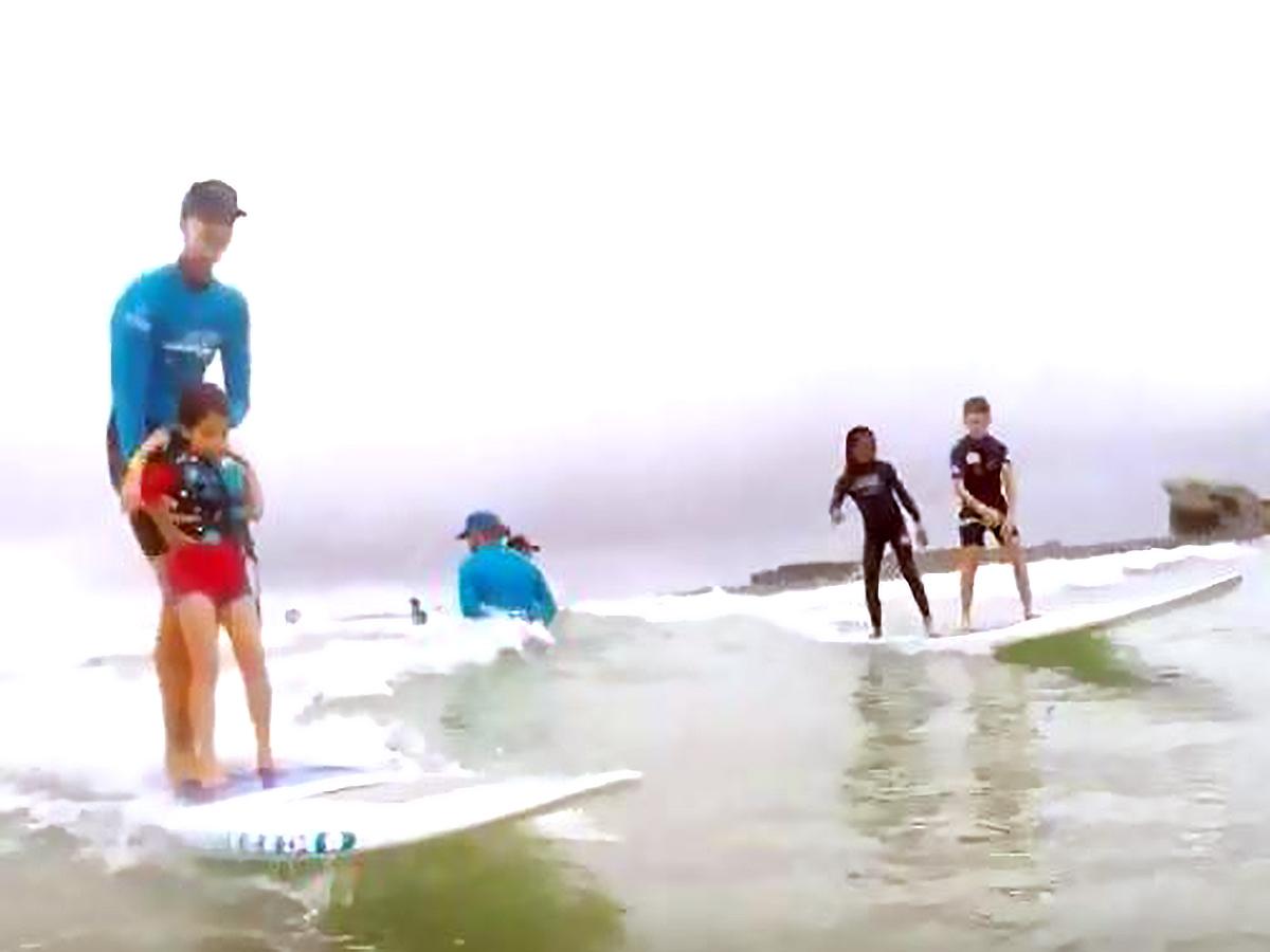 発達障害の子の困難に負けない力を育むサーフィンのイベント s4