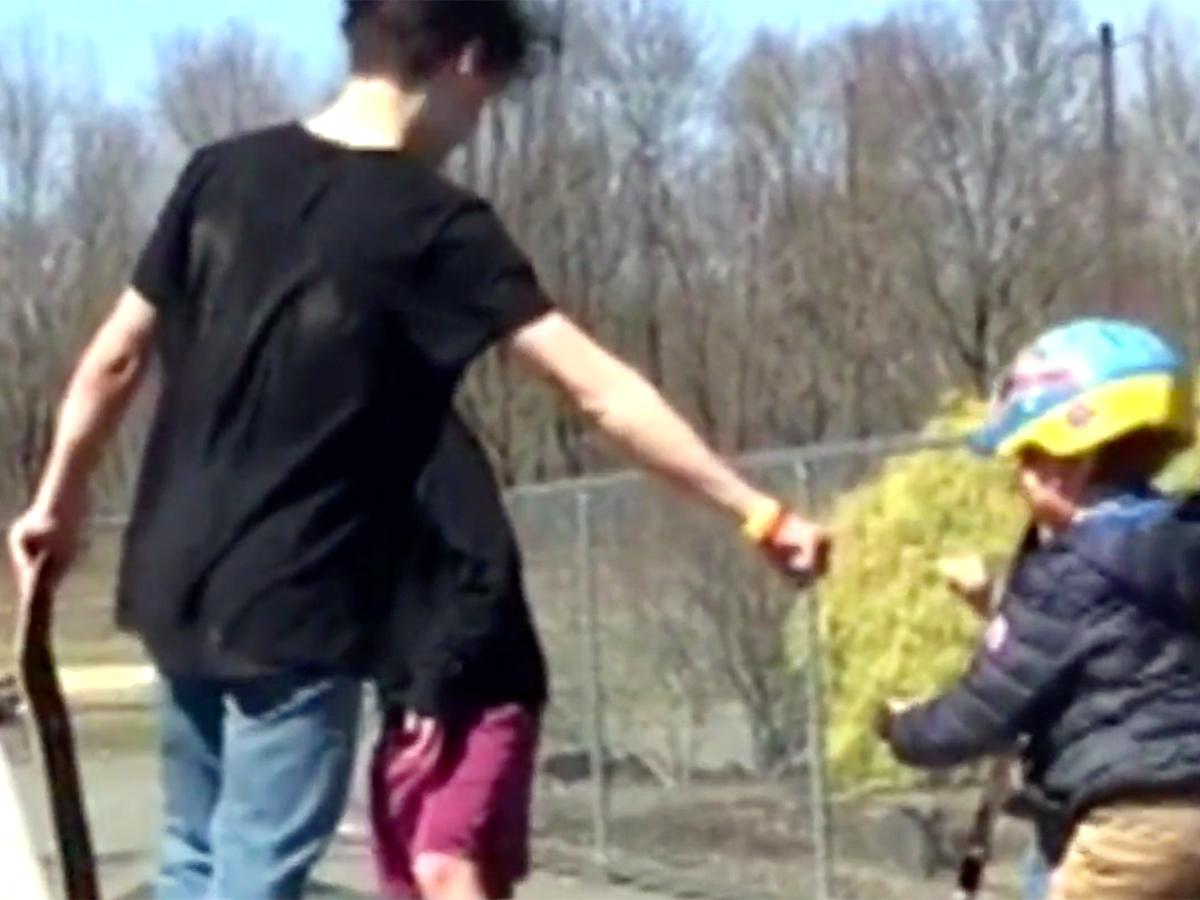 発達障害の5歳の子どもにした行為で少年グループを警察が探す k12