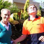 発達障害の息子の働ける機会として母親が芝刈りの事業で起業