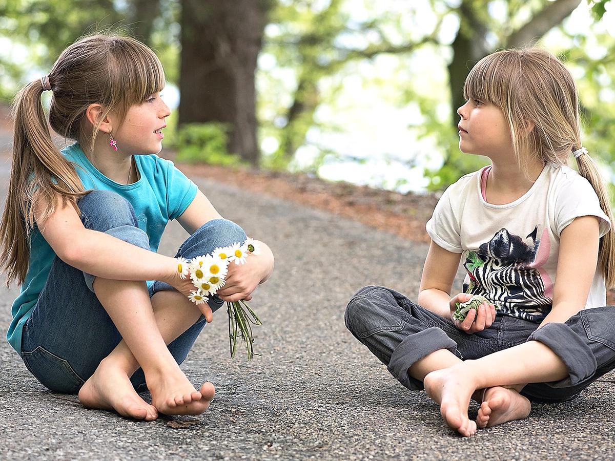 言葉に問題をかかえる自閉症の子たちは音への反応に遅れがある e5