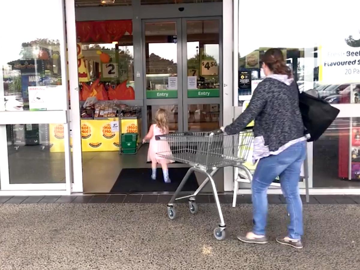 発達障害の子の母の活動で、スーパーでの「静かな時間」が実現