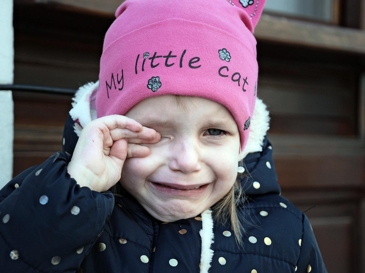 感覚過敏の自閉症の赤ちゃんは自傷するようになる可能性が高い s2-1