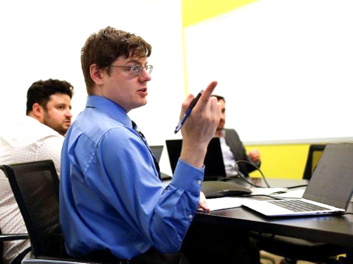 高機能自閉症の人を積極採用する企業。「私たちが学んでいる」 e2