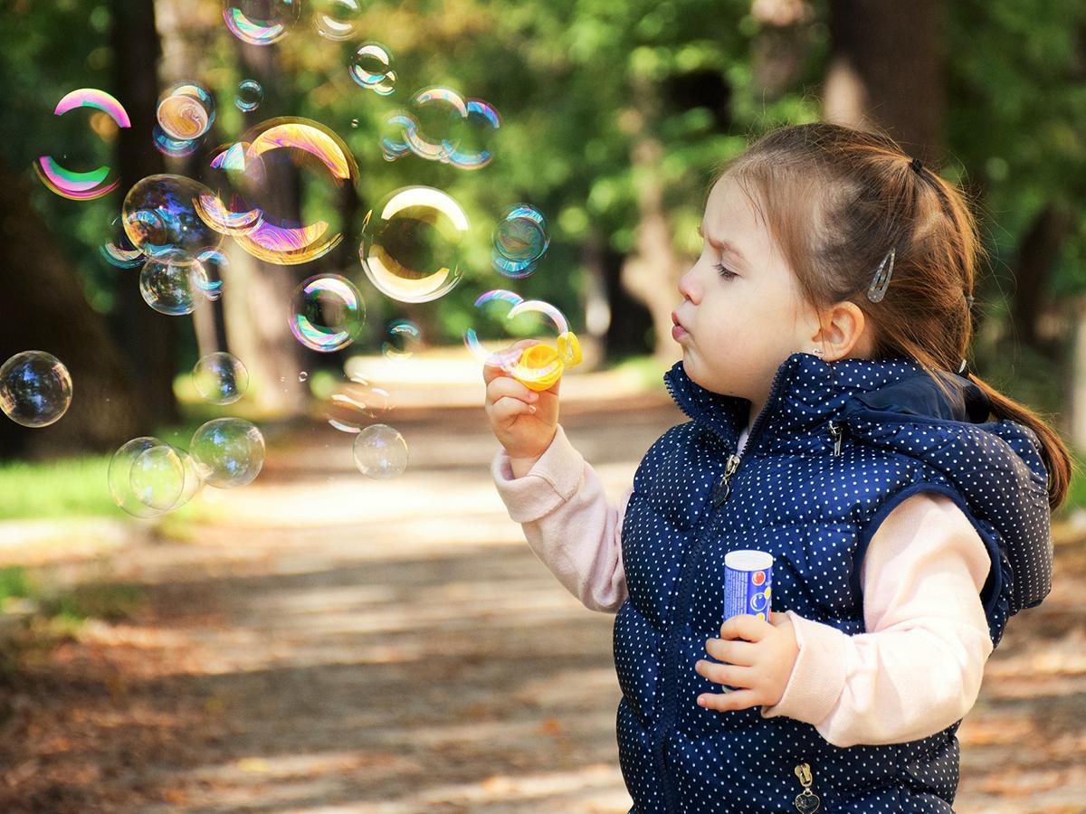 自閉症の子たちはさらに3つのグループに分けられるとする研究