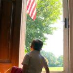 はためく国旗を見るのが大好きな発達障害の少年へのプレゼント