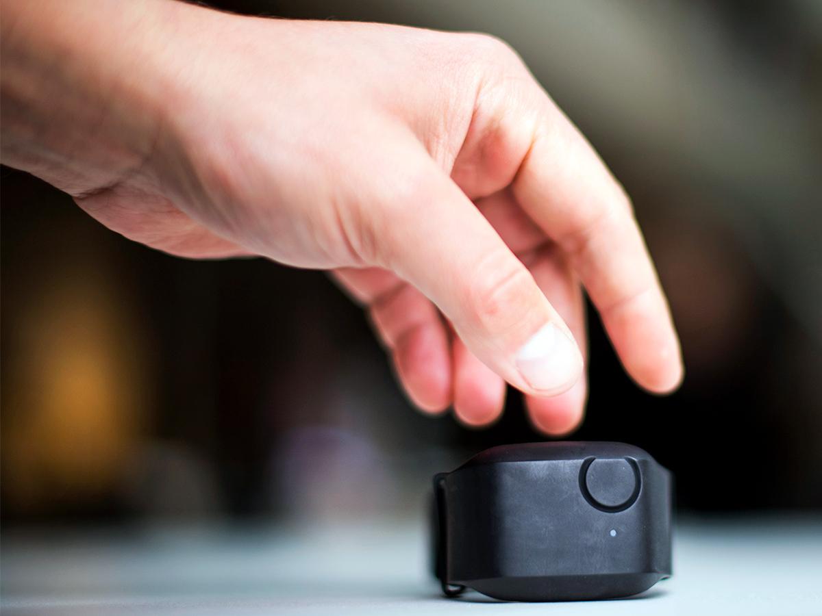 発達障害の人がパニックになってしまうのを1分前に予測する装置