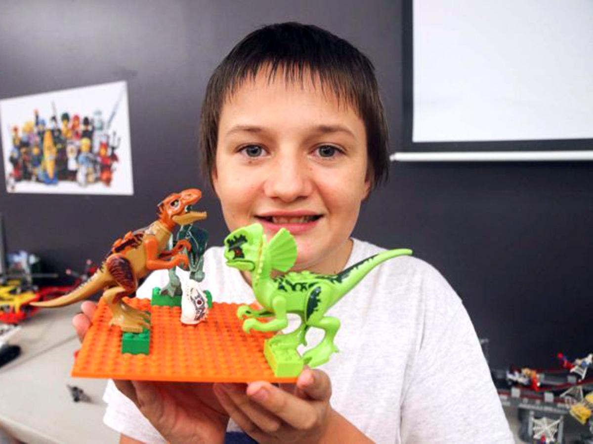 家族グループや作業療法士が行う発達障害の子への「レゴ療法」 l3