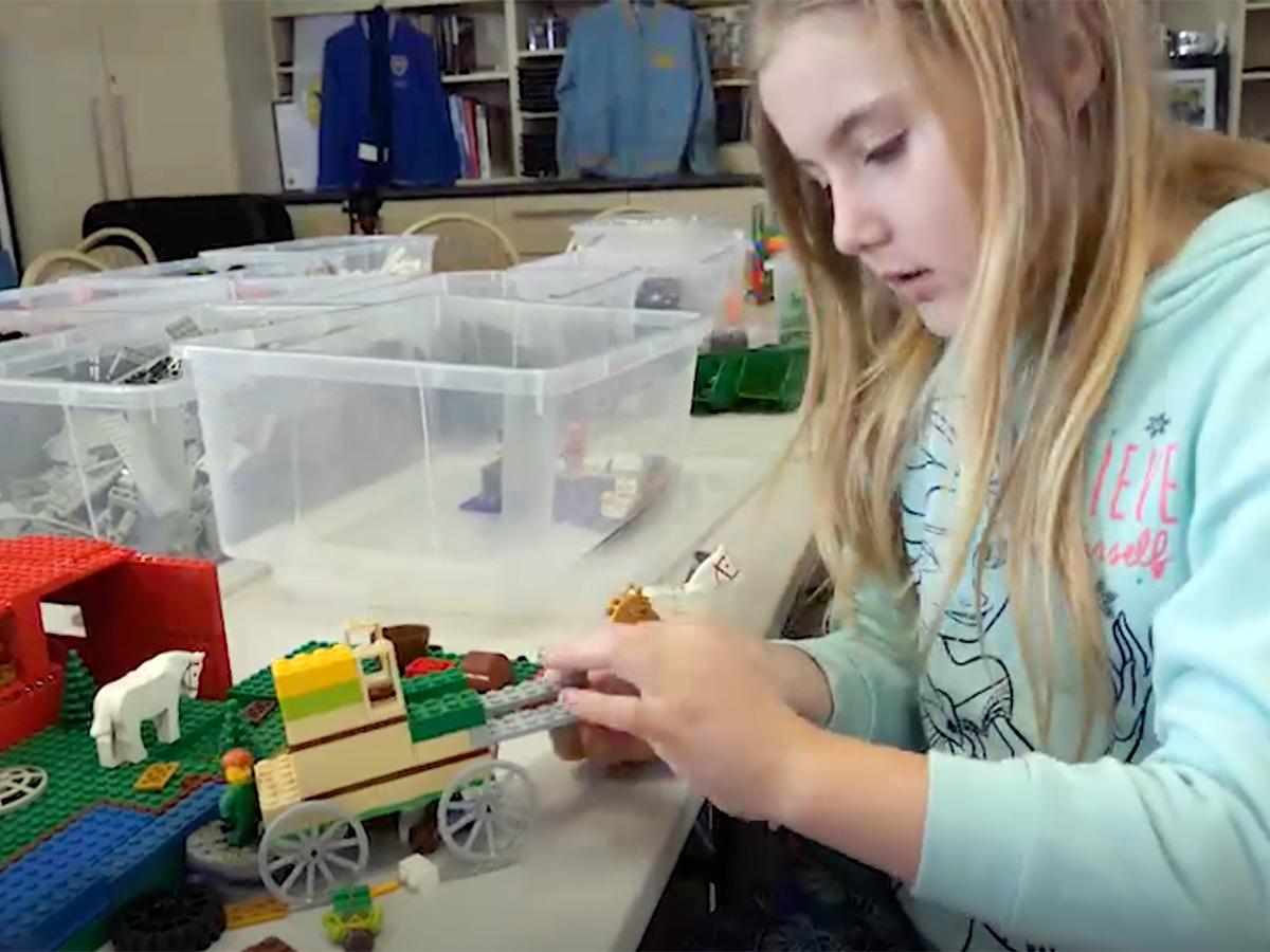 家族グループや作業療法士が行う発達障害の子への「レゴ療法」
