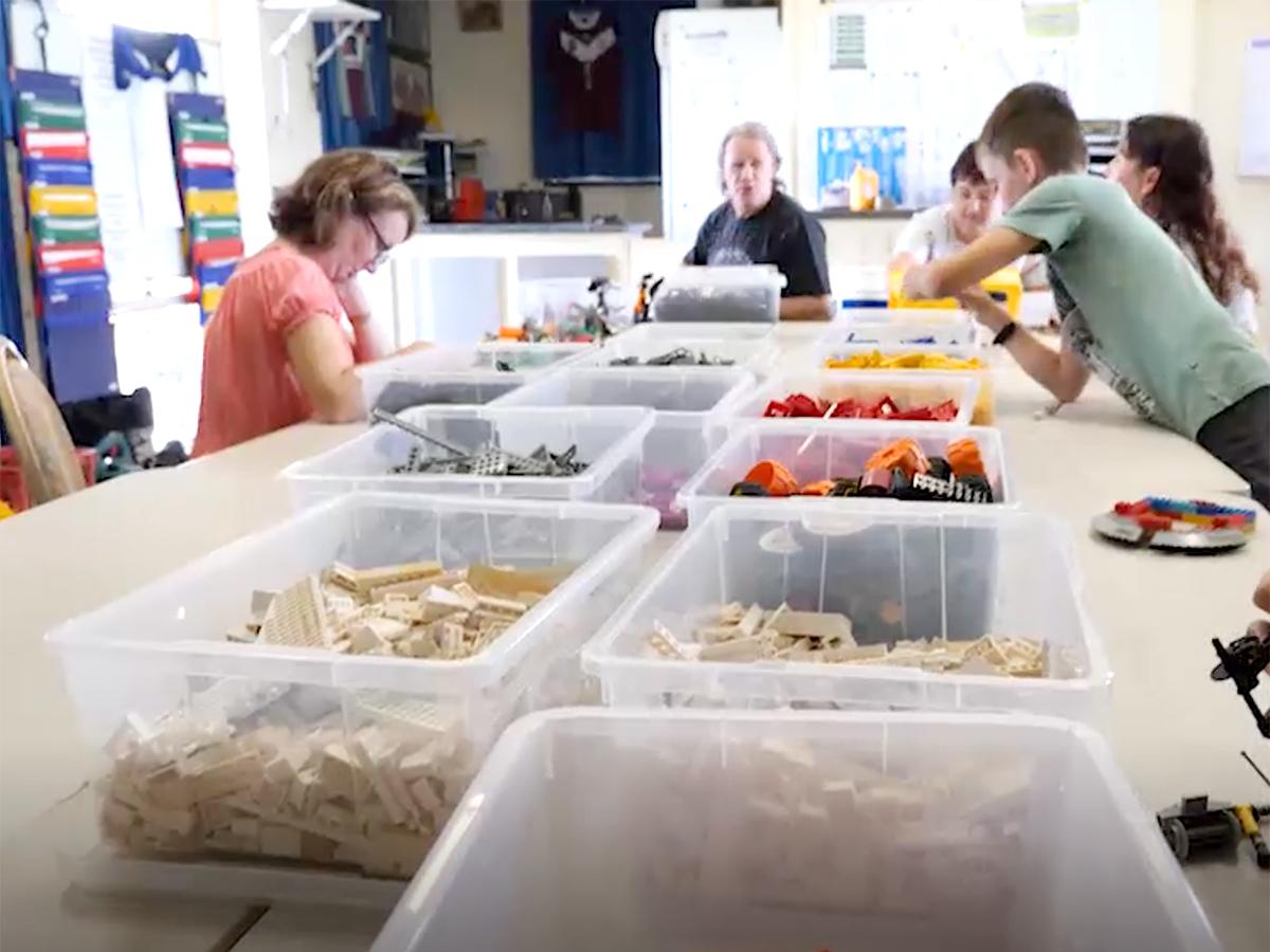 家族グループや作業療法士が行う発達障害の子への「レゴ療法」 l5