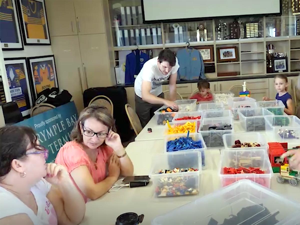 家族グループや作業療法士が行う発達障害の子への「レゴ療法」 l6