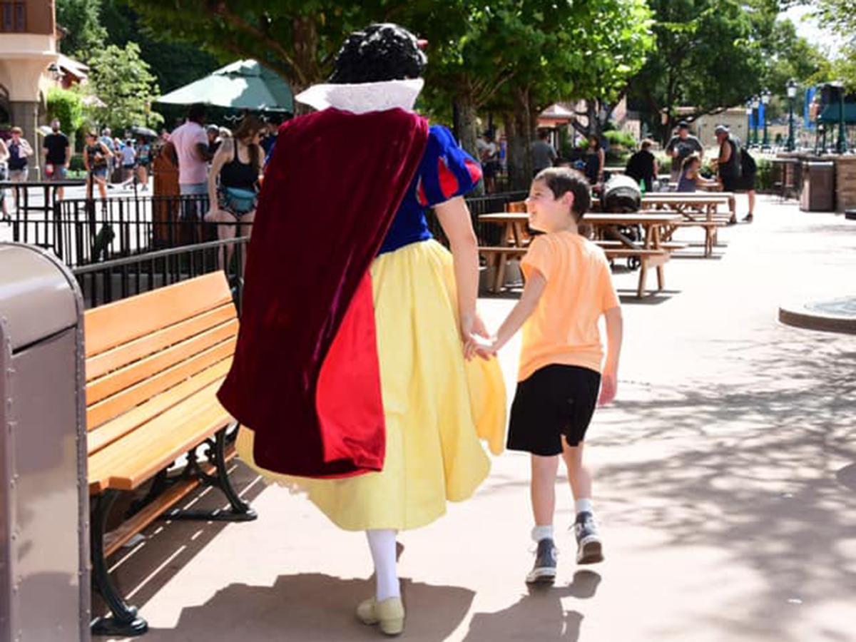 発達障害の息子に素晴らしい対応をしてくれた白雪姫はまるで天使 s4-2