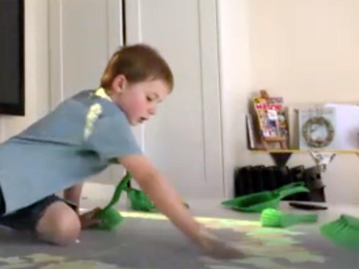 インタラクティブなゲームのテーブルが発達障害の子の能力を育む t7